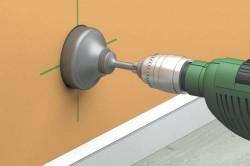 Сверление плитки при помощи цилиндрического сверла