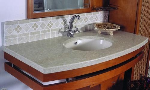 Столешница в ванной из керамогранита