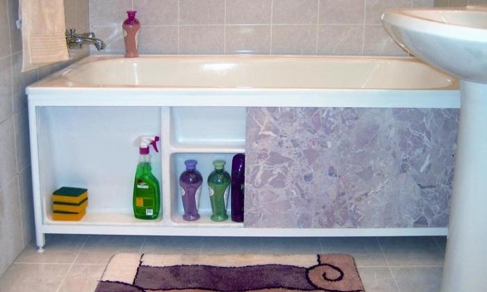 Полочки с подвижными дверками под ванной