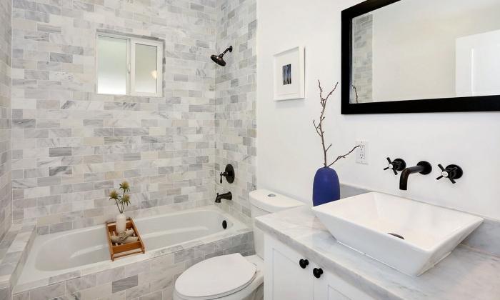 Отделка ванной комнаты плиткой, гипсокартоном и краской