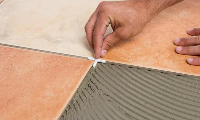 Выравнивание швов плитки