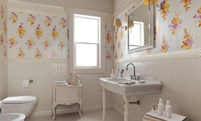 Яркие акценты в декоре ванной